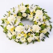 Classic Wreath Yellow & Cream