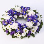 Classic Wreath Blue & White